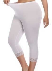 SO: White Capri Lace Trim Legging